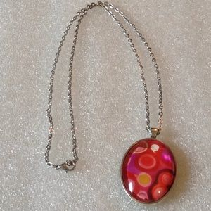 Glass pendent necklace